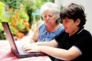 boy-and-grandma-on-laptop